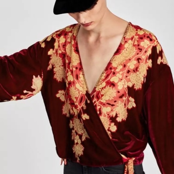 395301aa33d2e8 Zara velvet kimono wrap floral print blouse